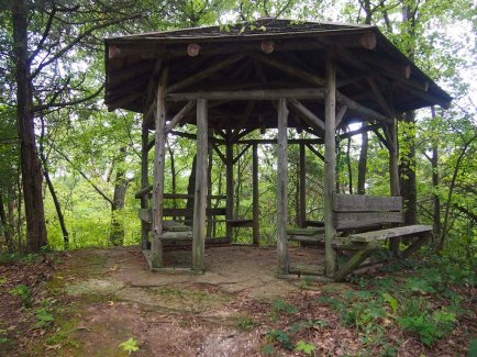 Tower_Hill_Pleasure_Company_gazebo